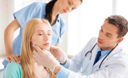 Жалобы на боли при открывании рта