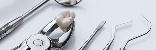 инструмент стоматолога для удаления зубов