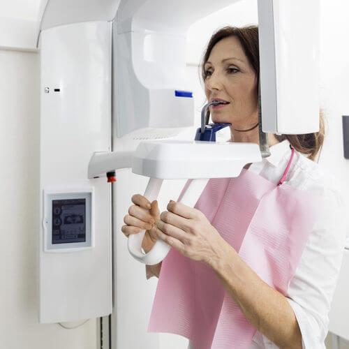 Проведение томографического обследования при гнатологическом лечении
