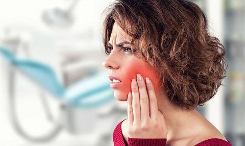 Боль при прорезвывании зуба 8