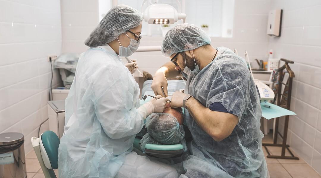 Экспресс имплантация зубов в Центре Приватной Стоматологии Доктора Левина